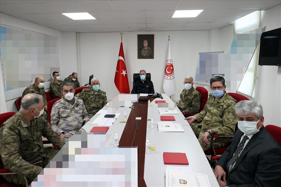 Millî Savunma Bakanı Hulusi Akar, beraberinde TSK Komuta Kademesi ile Hatay'a geldi