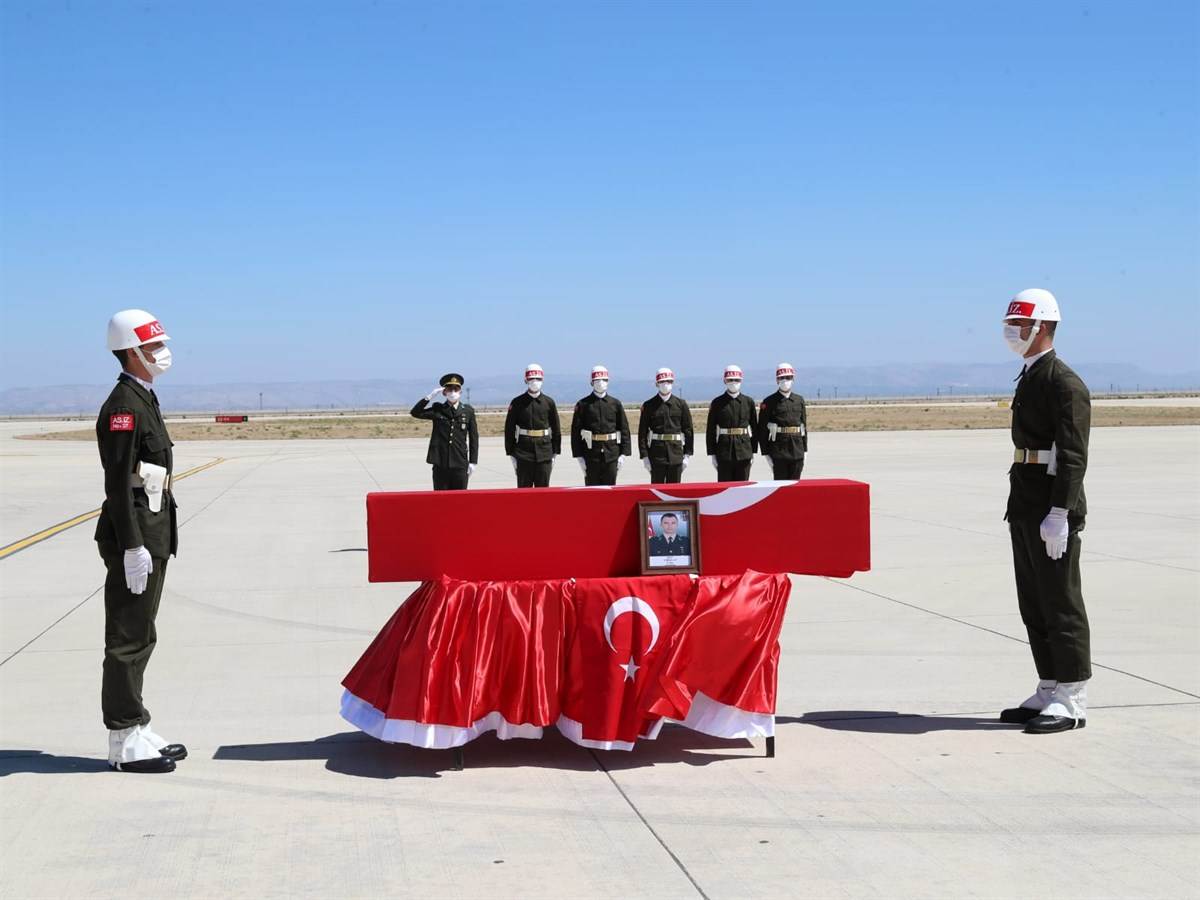 Şehit Teğmen Osman Alp memleketine uğurlandı