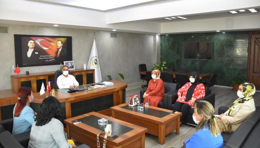 AK Kadınlardan Başkan Sarı'ya ziyaret