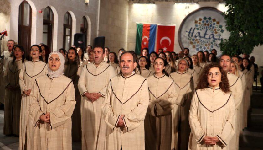 """Medeniyetler korosu tek yürek: """"Yaşa Azerbaycan ve Karabağ"""""""
