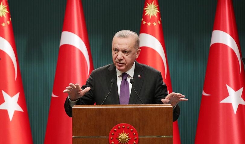 Türkiye'nin tekrar yeni bir Anayasayı tartışmasının vakti gelmiştir