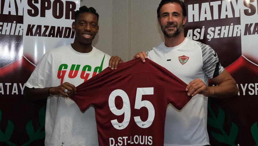 Dylan Saint-Louis'den Hatayspor'a 3 yıllık imza