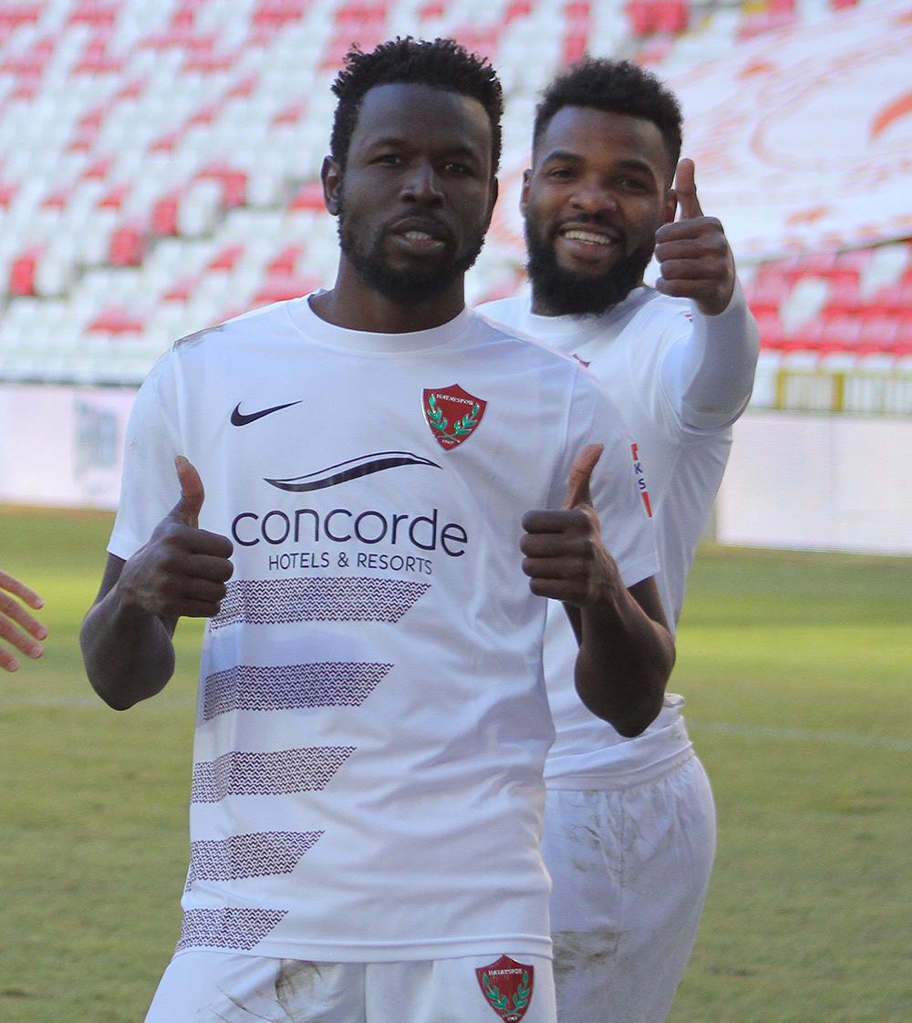 Mame Diouf'un Hatayspor'daki geleceği, Aaron Boupendza'ya bağlı!