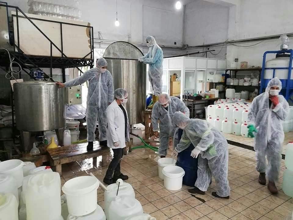 Payas'ta, günde 5 ton el dezenfektanı üretiliyor